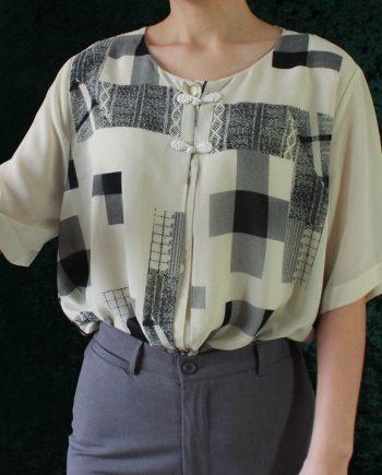 Vintage ivory blouse vierkant